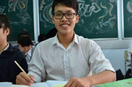 Nguyễn Chí Công khá tự tin về các môn tự nhiên trong kỳ thi cuối học kỳ sắp tới