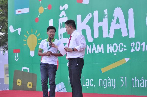 TS. Đàm Quang Minh giao lưu cùng học sinh nhận Học bổng Tài năng Thạch Long